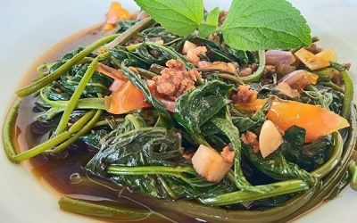 Ginisang Kangkong (Stir-Fried Water Spinach with Ground Pork)