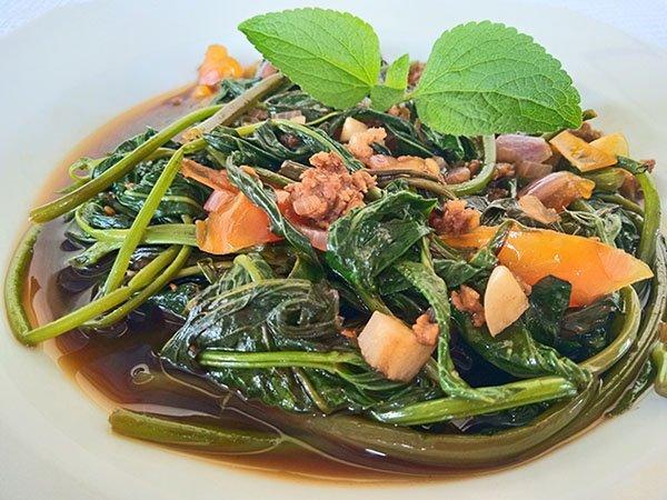 Ginisang Kangkong recipe, Adobong Kangkong recipe, Stir-fried Water Spinach with Ground Pork, Mom Food Blog