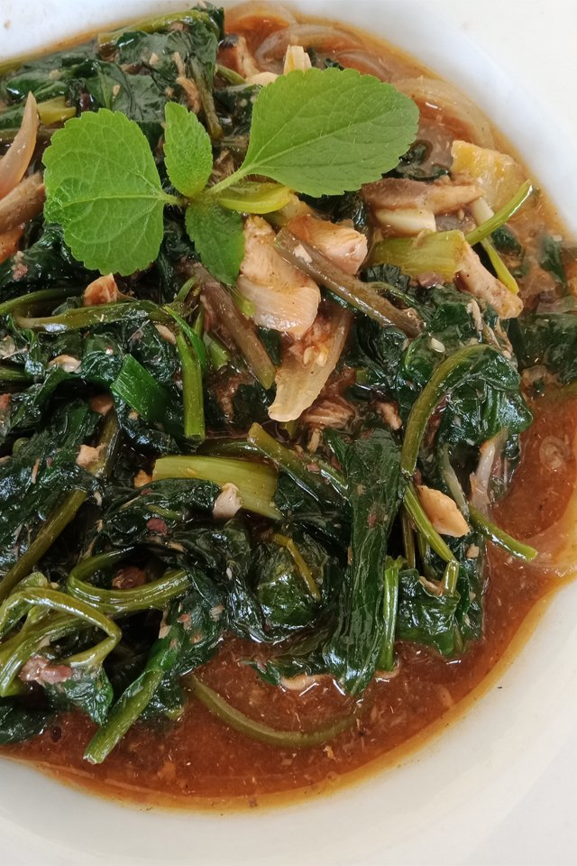 Ginisang Kangkong with Sardines Recipe, Sardinas with Kangkong, Mom Food Blog