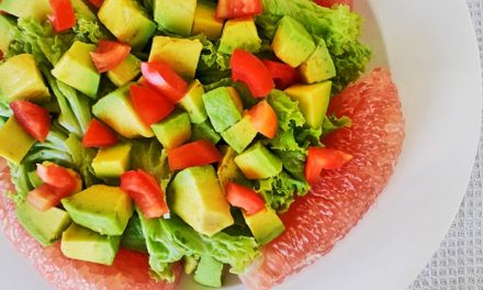 Pomelo and Avocado Salad with Lettuce