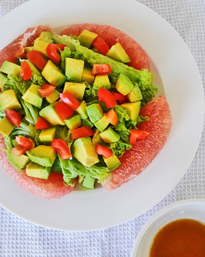 Pomelo and Avocado with Lettuce Salad Recipe, Pomelo and Avocado Salad, Mom Food Blog
