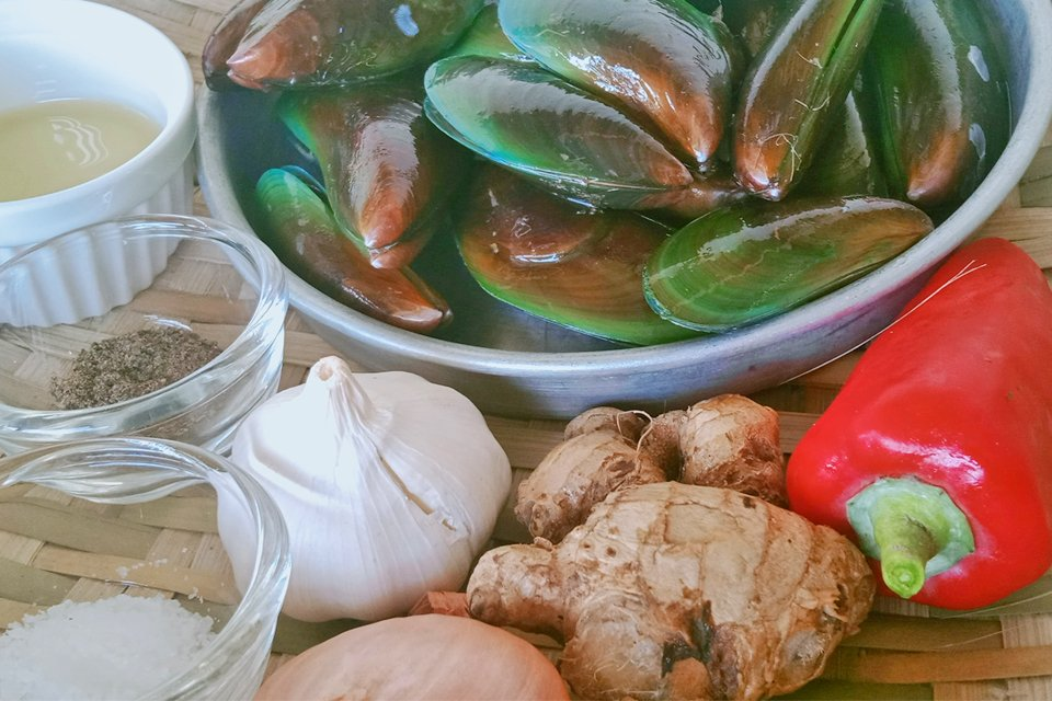 Mussels Recipe, How to Cook Mussels, Mussels in Spicy Ginger Broth, Mom Food Blog
